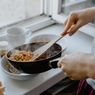 Recette de la semaine : pudding salé, oignons, courgettes, carottes, cœur de camembert